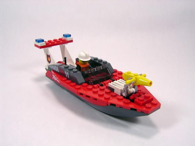 7043 le b teau des pompiers lego blog for Modele maison lego