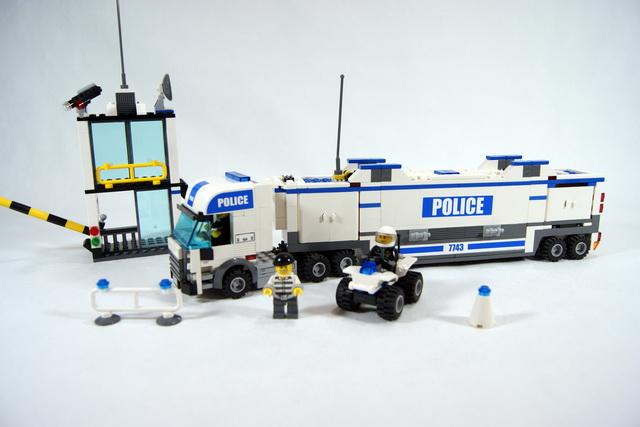 7743 le camion de police lego blog - Lego camion police ...